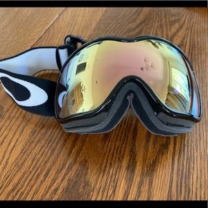 Oakley Canopy Skiing Goggles